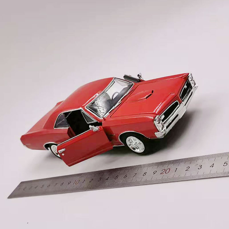 Red Color 1/24 Scale Metal Alloy Classic Car Diecast Model Vintage PONTIAC GTO Car Model For Collection No Retail Box