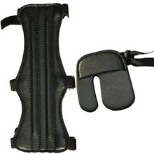 Nowy trwały skórzany ochraniacz palec ochraniacz na ramię łucznictwo ochronny sprzęt rękaw akcesoria zewnętrzne akcesoria zewnętrzne tanie tanio High quality leather Pasuje prawda na wymiar weź swój normalny rozmiar Finger Arm Guard Adult High quality leather