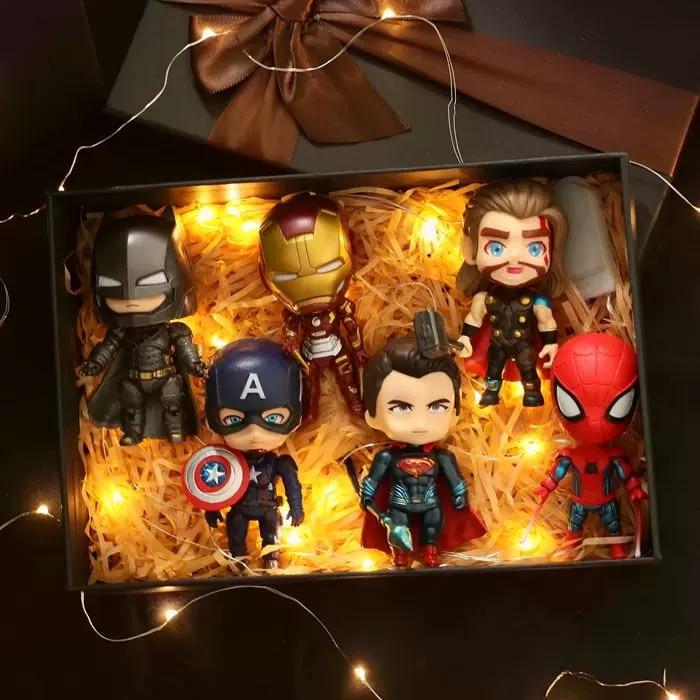 6pcs Marvel Anime Action Figures The Avengers Spiderman Legends Funko Hot Toys Figma Superman Ironman Batman Captain America