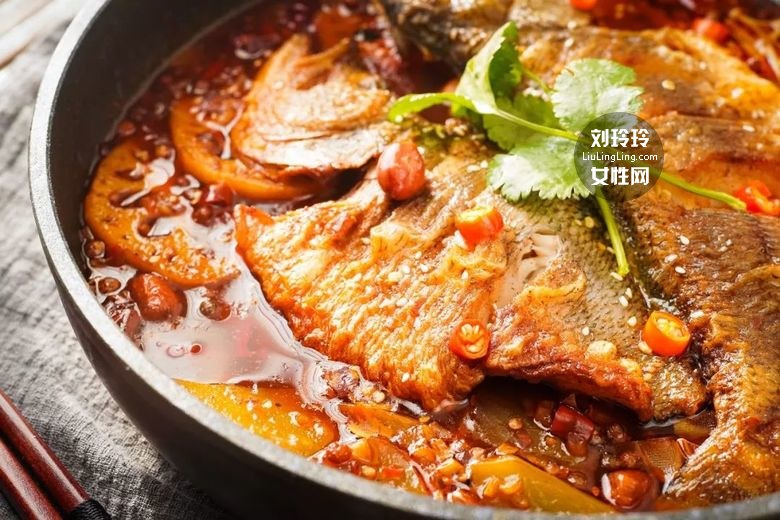 平底锅烤鱼的做法 美味烤鱼一条不够吃!1