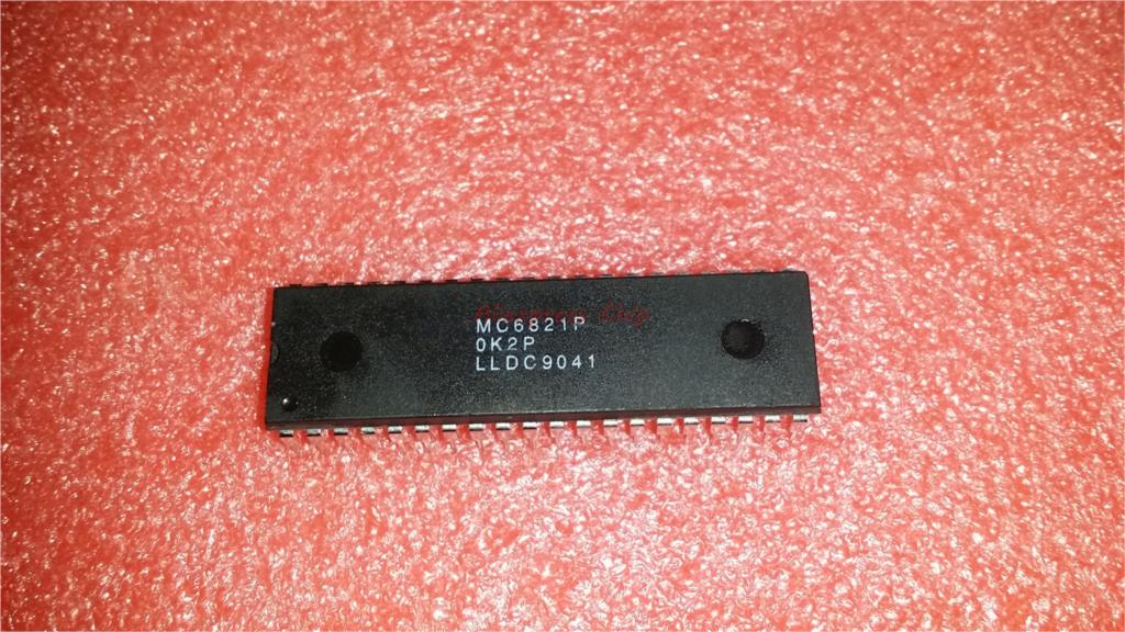 1pcs/lot EF6821P EF6821 6821 = MC6821P MC6821 DIP-40 In Stock