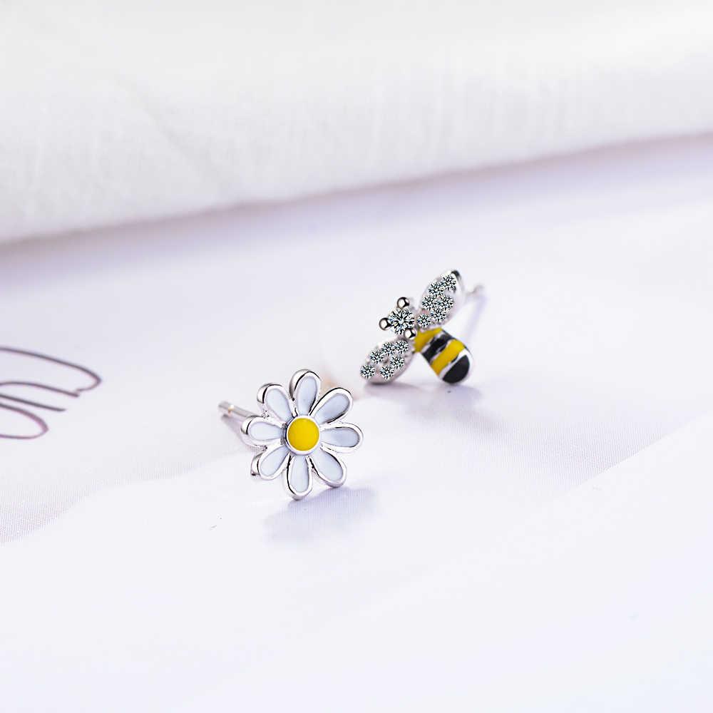 Chereda LOVELY Bee ต่างหูสัตว์น่ารักไม่สมมาตร Hollow ต่างหูดอกไม้ขนาดเล็ก EAR Studs ของขวัญเครื่องประดับ