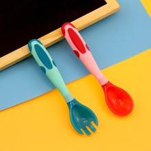 2Pcs Bendable Baby Spoon Fork Set Toddler Infant Learning Tableware Flatware Utensils Kids Temperature Cutlery набор столовых приборов happy baby spoon fork baby cutlery set lime 15027 4650069782179