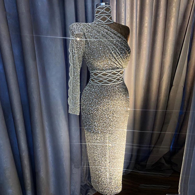 스파클 실버 스팽글 크리스탈 스트레이트 댄스 파티 드레스 럭셔리 한 어깨 라인 석 댄스 파티 드레스 차 LengthHigh 칼라 Vestidos
