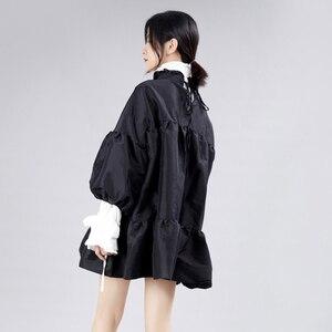 Image 4 - [EAM] נשים שמלה חדש Stand צוואר ארוך לנטרן שרוול Loose Fit הולו מתוך אישיות קפלים אופנה אביב סתיו 2020 JZ349
