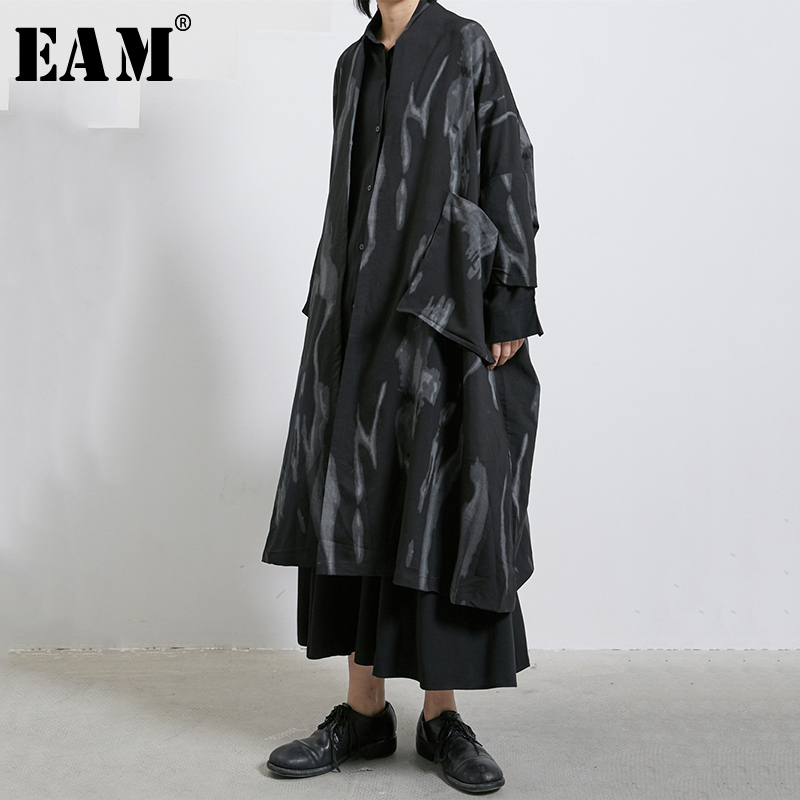 [EAM] Women Black Big Pocket Print Big SizeTrench New V-collar Long Sleeve Loose Fit Windbreaker Fashion Tide Spring 2020 1R283