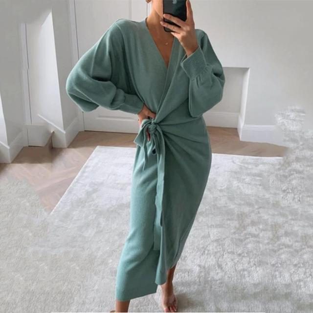 Autumn And Winter Women Kitted Dress Elegant Casual V -Neck Long Sleeve Midi Dress Solid Loose Split Side Sexy Dresses 2