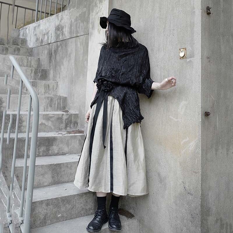 [EAM] Women Black Pleated Irregular Split Big Size T-shirt New Round Neck Half Sleeve  Fashion Tide  Spring Summer 2020 1W318 2