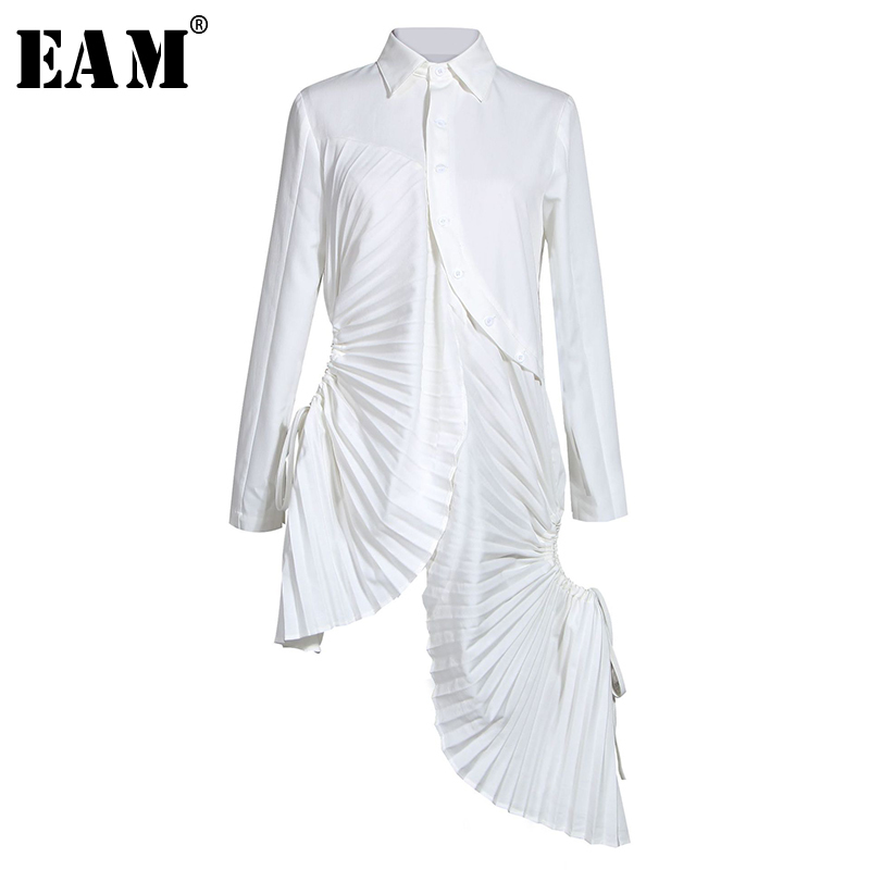 [EAM] Women White Pleated Asymmetrical Shirt Dress New Lapel Long Sleeve Loose Fit Fashion Tide Spring Autumn 2020 1N880