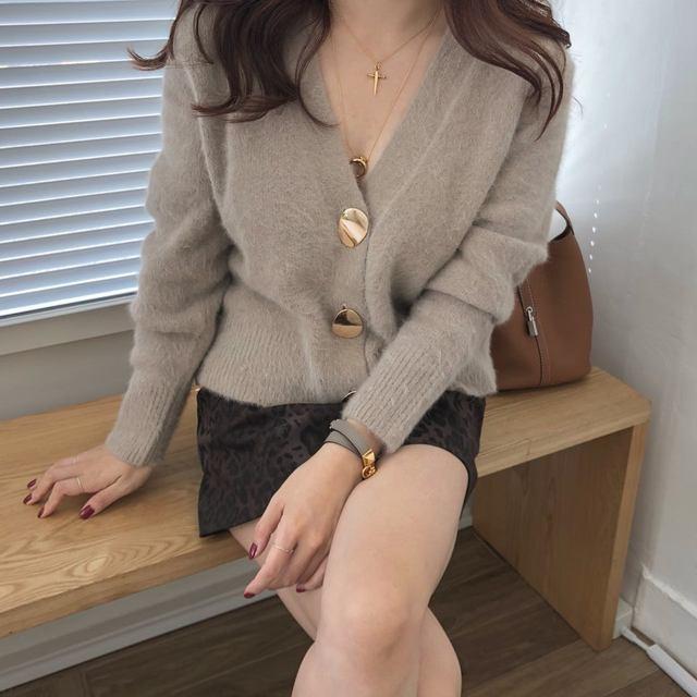 Mooirue Autumn Women Soft White Knitted Cashmere Sweater Double Button Women Warm Jumper V-Neck Winter Sweater 46
