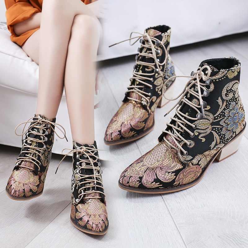 Boêmio retro botas femininas impresso tornozelo da motocicleta do vintage botas senhoras sapatos mulher 2019 novo bordar botas de salto alto