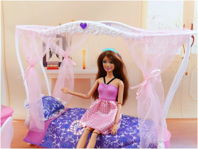ของแท้สำหรับเจ้าหญิงตุ๊กตาบาร์บี้เตียง Kurhn ตุ๊กตาอุปกรณ์เสริม 1/6 bjd ตุ๊กตาตารางเฟอร์นิเจอร์ห้องนอน dream house ชุดของเล่นเด็กของขวัญ
