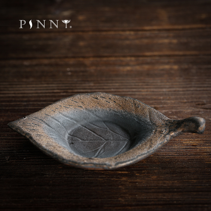 PINNY Ceramic Leaf Shape Tea Cup Saucers Leaf Shape Vintage Heat Resistant Cuo Mat Kung Fu Tea Accessories