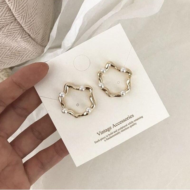 2019 Irregular Metal Earrings For Women Earrings Small Baroque Pearl Circle Ear Rings Earrings Fashion Europe Nightclub Jewelry