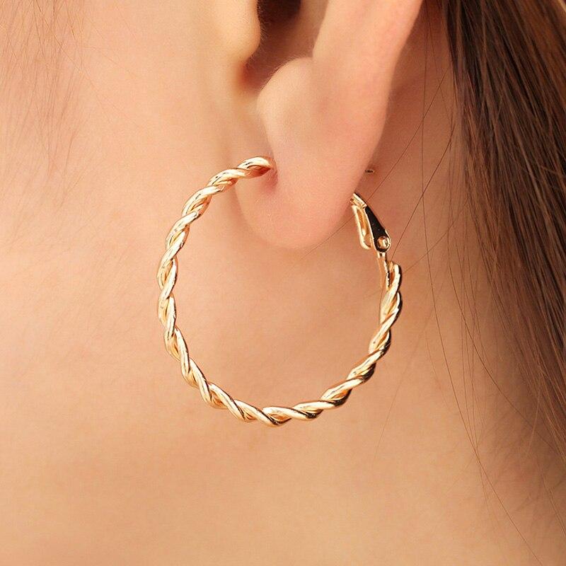Nova distorção intertecer twist metal círculo geométrico redondo hoop brincos para feminino meninas acessórios festa retro jóias
