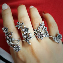 1pcs Hollow Fashion Carved Suit Ring Party Favors Rings Alloy Ring for Men and Women Finger Rings Party Gifts Supplies Souvenir(China)