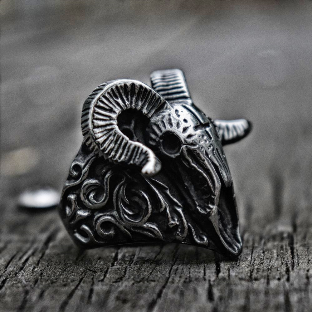 Vintage Satanic Demon Skull Ring