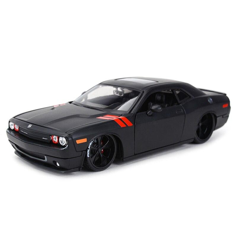 Maisto 1:24 2008 Dodge Challenger spor araba statik döküm araçları koleksiyon Model oyuncak arabalar