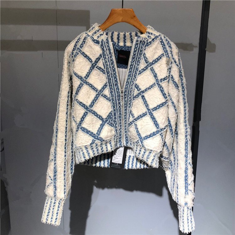 New    Small  Heavy Round Collar Short Cardigan Sweater Color Matching Pearl Diamond Lattice Coat