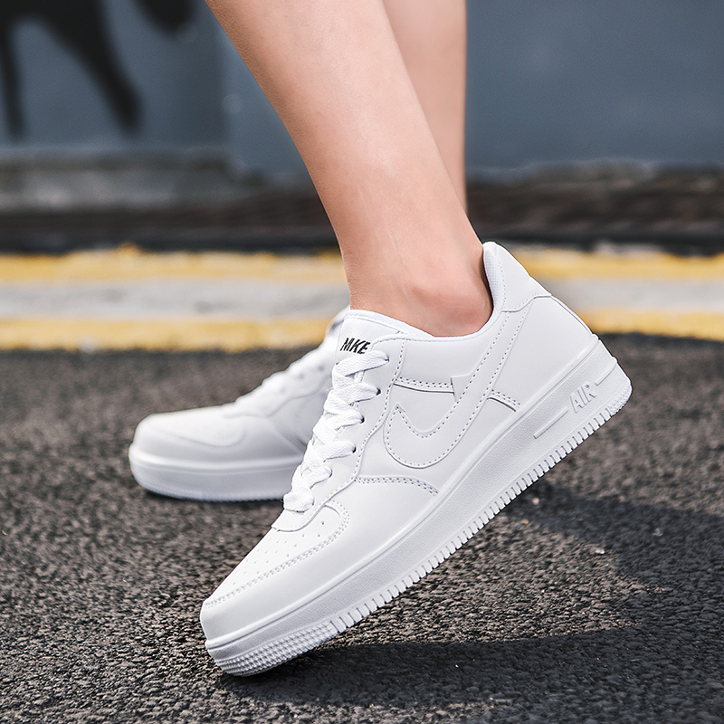 2020 Men Casual Vulcanized Shoes Student Board Sneakers Unisex Outdoor Walking Sports Flat Shoes Tenis Feminino Plus Size 36-45