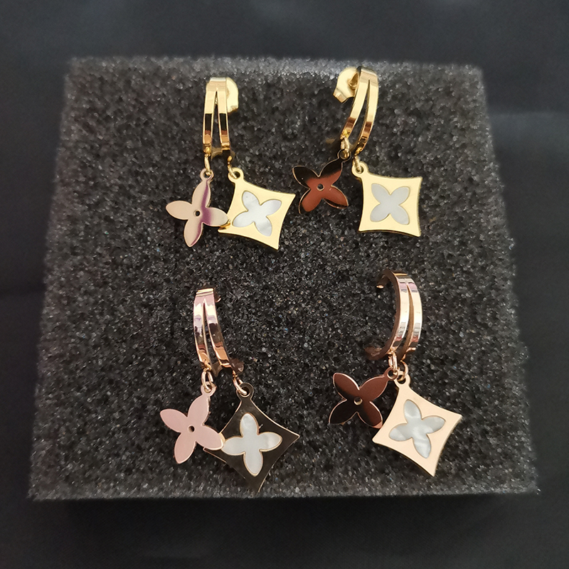 Luxury Shell Clover Earrings for Women Fashion Catwalk Stud Earrings Stainless Steel Tassel Earings korean Brand Jewelry Z374