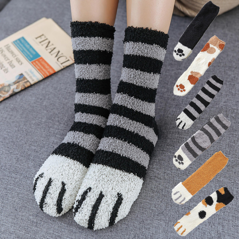 Thick Coral Fleece Tube Stockings Warm Animal Cat Footprints Personality Autumn And Winter Ladies Funny Stockings Printing