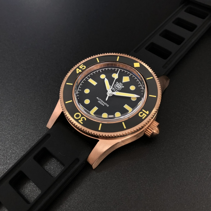 Bronze Diving Watch 300M Sapphire Crystal C3 Super Luminous 1952S Bronze Watch Mens Watches Automatic Stainless Steel Dive Watch