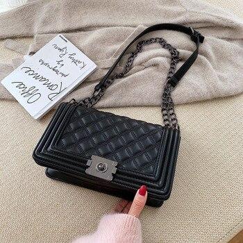 2020 new ladies shoulder bag PU diamond chain shoulder bag simple texture lock diagonal bag twist lock detail pu shoulder bag
