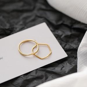 YUN RUO винтажное простое волнистое Золотое кольцо с желтым золотым покрытием, женский подарок, модные ювелирные изделия из титановой стали из...
