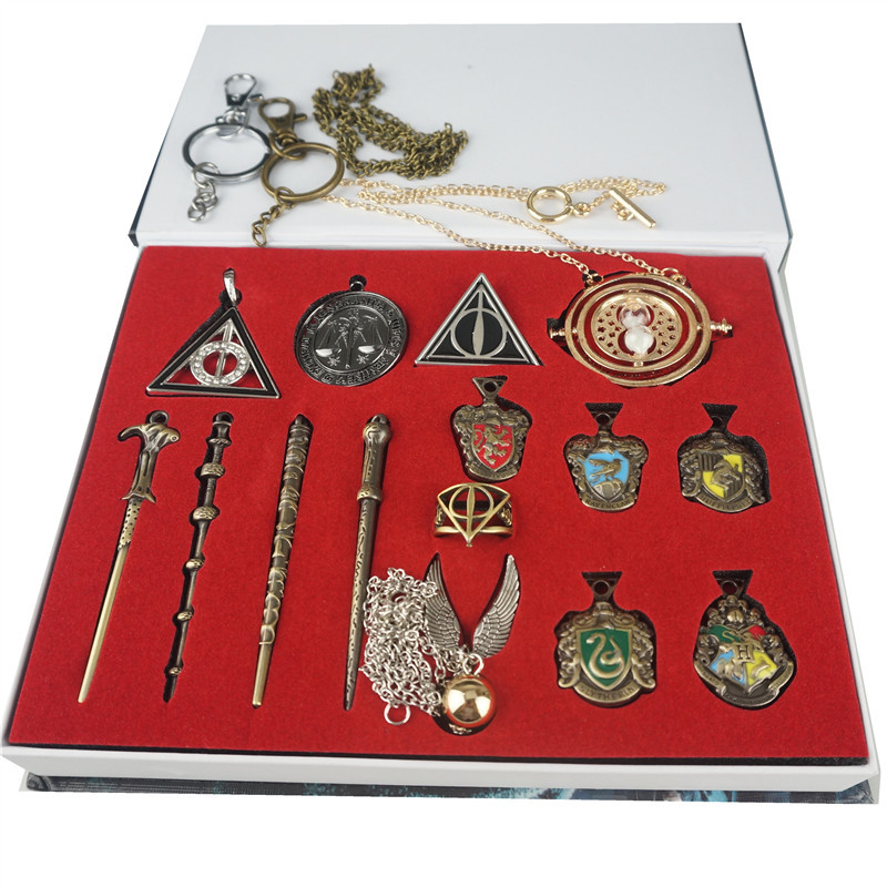 Harri Potter Weapon Metal Keychain Toys Set Hogwart School Crest Necklace Keychain Slytherins Gryffindor Collection Gift Toys