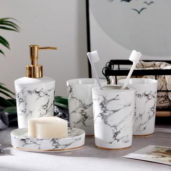 Marmur tekstury ceramiczna armatura łazienkowa zestaw zestaw do łazienki 2020 zestaw ślubny uchwyt na szczoteczki do zębów dozownik do mydła łazienka tacy tanie i dobre opinie SIBAOLU KLSHG Ekologiczne Na stanie Pięcioczęściowy zestaw Ceramic Bathroom Set Marble texture