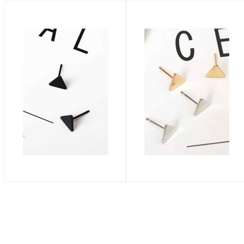 ヨーロッパと米国のファッションシンプルな黒小さなイヤリングジオメトリミニ三角形の気質野生のイヤリングジュエリー Wholes