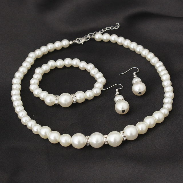 Classic White Pearl Jewelry Set 2