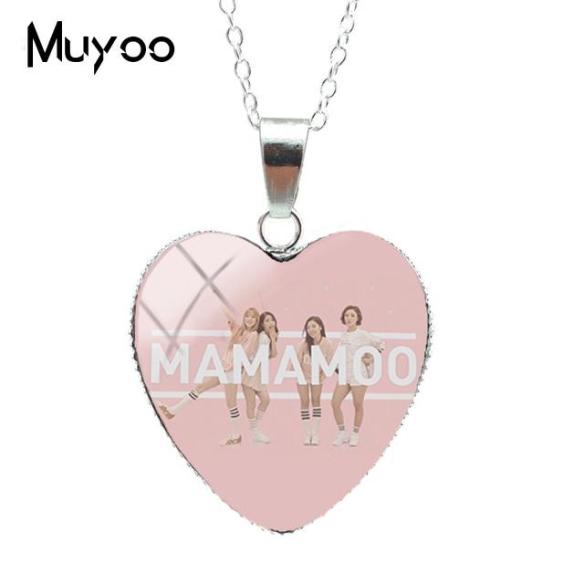 Hermosos collares artesanales de MAMAMOO en forma de corazón
