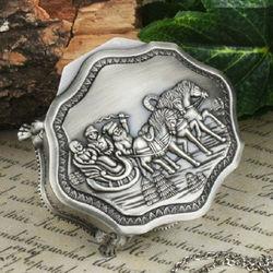 Tybet srebrny rzeźbione konnymi saniami ośmiokątne pudełko z biżuterią pudełko do przechowywania