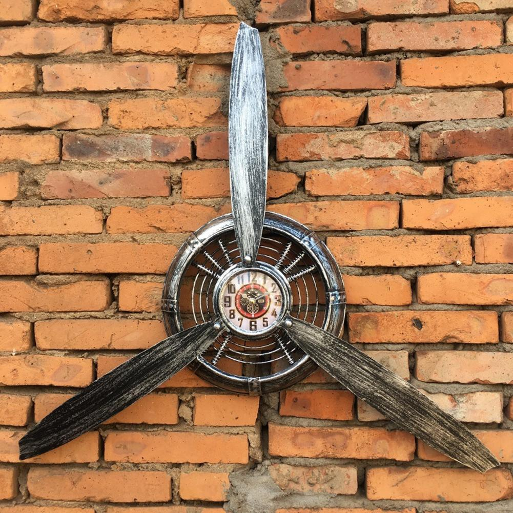 Vintage Decorative Metal Wall Clock Wrought Iron Wall Clock Propeller Europe Industrial Wall Hanging Ornament Art Decoration