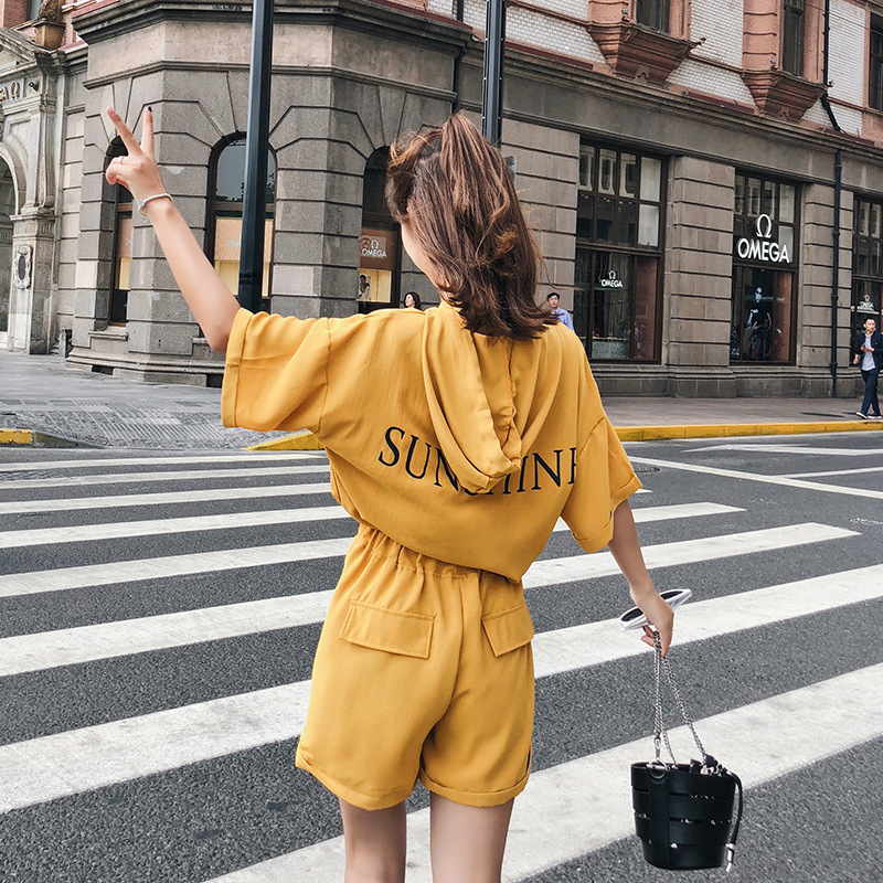 [Dowisi] 2018 Summer Wear New Style Korean-style Loose-Fit Short-sleeved Top Shorts Casual Two-Piece Women's F6513