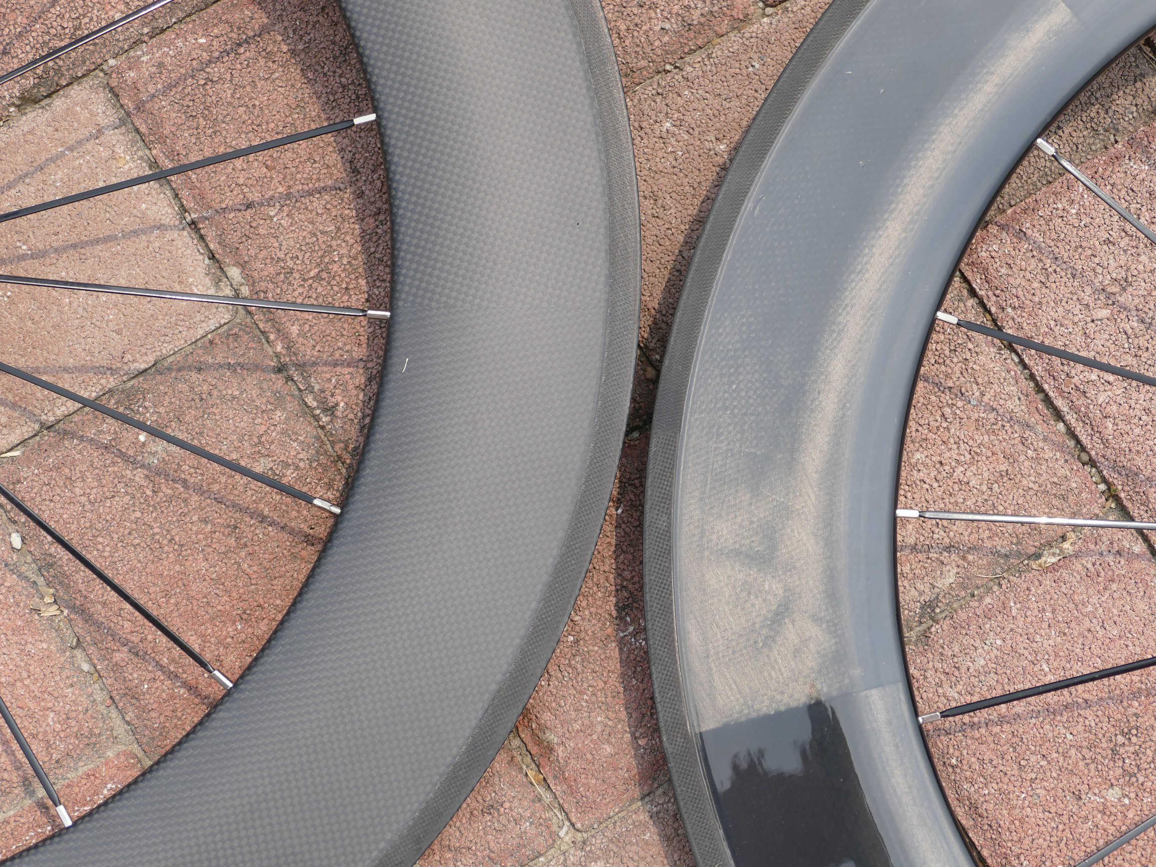 1 paio: 3K UD Completa In Fibra di Carbonio Opaco Lucido Bici Della Strada Della Graffatrice Del Wheelset 88 millimetri-larghezza 23 millimetri RUOTA di Bicicletta cerchio 700C Basalto Lato