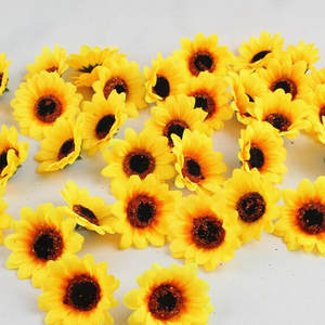 100Pcs 7cm Yellow Sunflower Heads Artificial Silk Flowers for DIY Scrapbooking Wreath  Fake Flowers Home Wedding Decoration