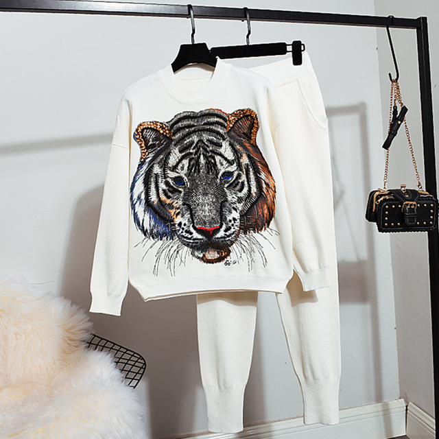 2019 Knitwear 2 Piece Suits Spring Autumn New Women Fashion Beading Old tiger Warm Sweater + Loose Trousers Women Knitted sets