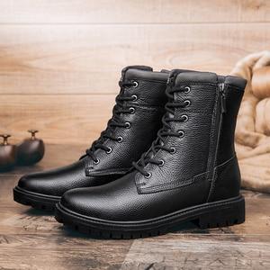 Image 2 - 2020秋冬メンズミリタリーブーツカジュアル本革の靴男性戦闘アーミーブーツ男雪のブーツビッグサイズ36 48