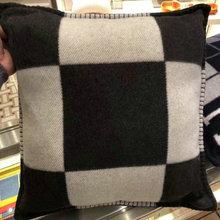 Fashion Vintage Fleece PillowCase Cashmere European Pillow Covers Wool Throw Pillow Case Christmas GIfts DIA 45cm