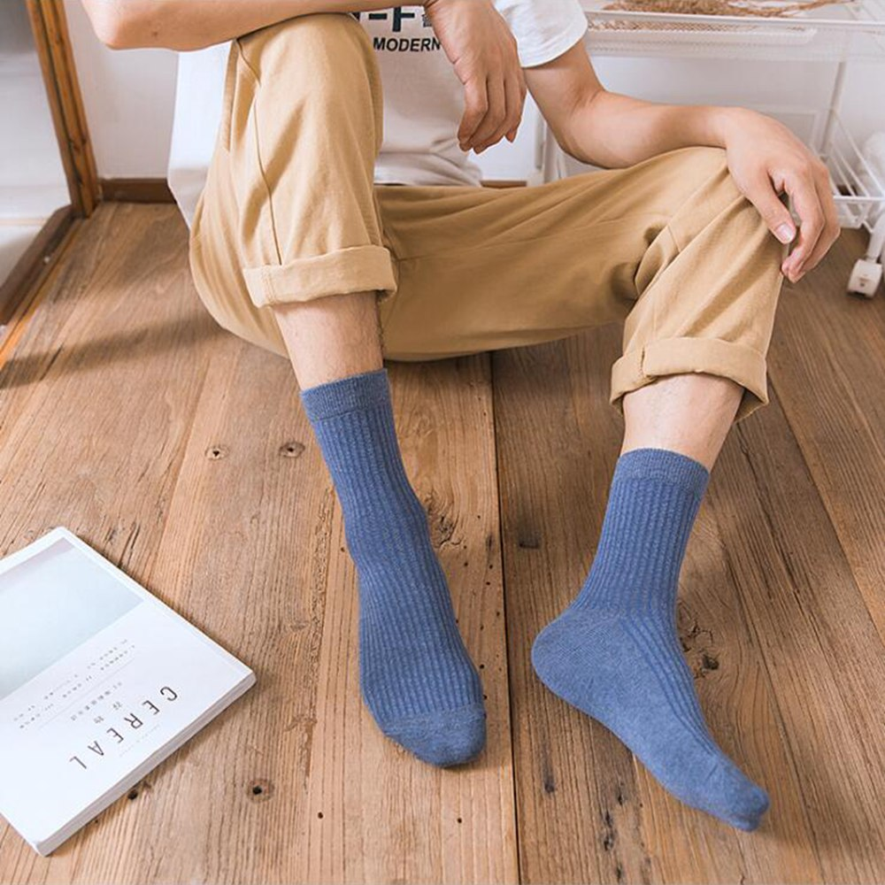 1 Pair New Winter Socks Cotton Tube Men's Socks Wild Solid Color Breathable Sweat Men's Socks For Men Winter Clothing