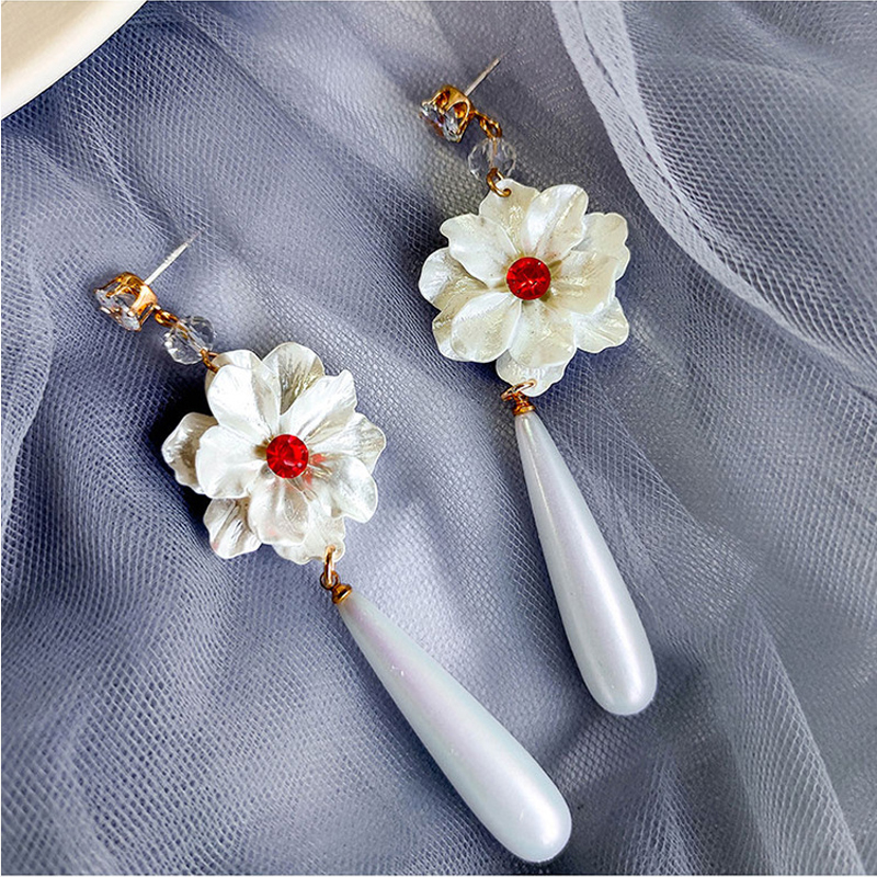 New Trendy Women's Earring White Flower Simulate Pearl Long Dangle Pendientes Monet Garden Romantic Elegant Female Jewelry EF52