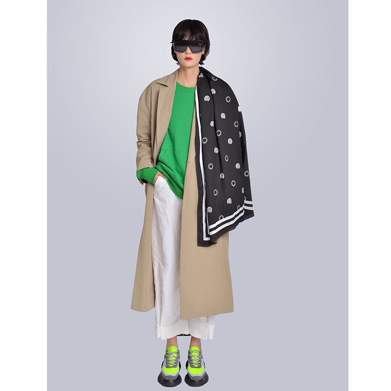 MISHOW Milan Fashion Week Spring/Summer 2020 Female Three-piece Set Green Sweatshirt Turn Down Collar Coat And White Pant Look-1