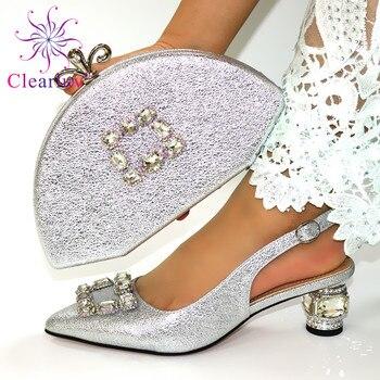 Итальянские туфли и сумочка в комплекте, украшенные аппликацией, комплект из обуви и сумки в африканском стиле, элегантные женские туфли-ло...