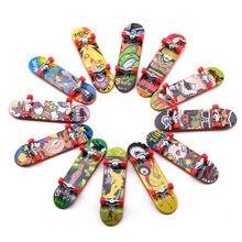 6 pièces/ensemble Mini Doigt Scooter Support En Alliage Accessoires de Jouets En Plastique pour enfants Doigt Sport Planches à roulettes