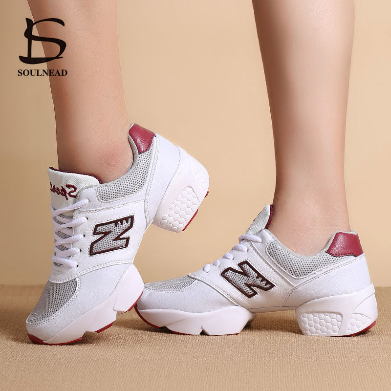 Mesh Dance Shoes Woman Sneaker Square Dancing Shoes For Women Soft Bottom Sports Shoes Female Modern Jazz Outdoor Fitness Shoes