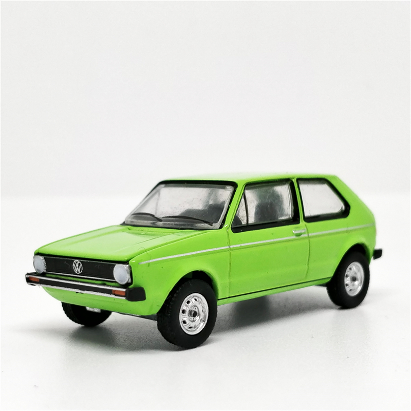 Greenlight 1:64 1975 VW Rabbit In Rallye Green Club Vee Dub No Box