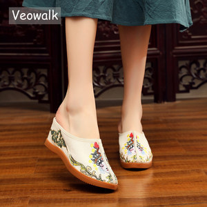 Image 1 - Veowalk Daomadan Bestickt Frauen Leinwand Keil Hausschuhe Sommer Chinesischen Stil Damen Comfort Slide Plattformen Maultiere Schuhe
